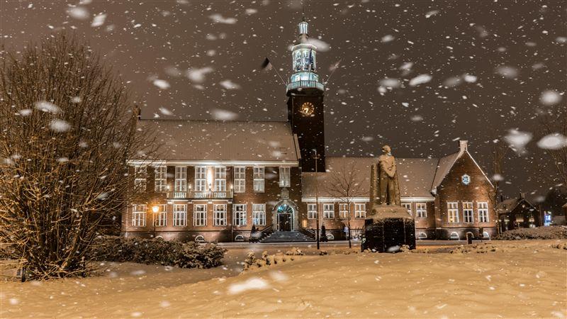 gemeentehuis sneeuw
